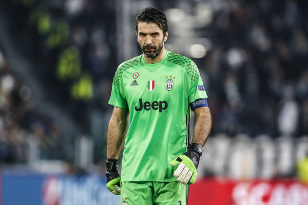 Nieudany debiut Buffona w PSG. Sprokurował karnego, potem wpuścił jeszcze jednego gola, a jego zespół przegrał z trzecioligowcem