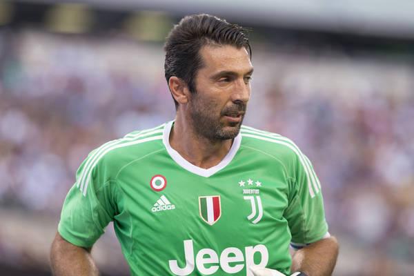 Czteroletni kontrakt dla Buffona? PSG jest zdeterminowane, by pozyskać Włocha