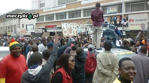 Tymczasem w Zimbabwe, podczas protestu przeciwko Mugabe