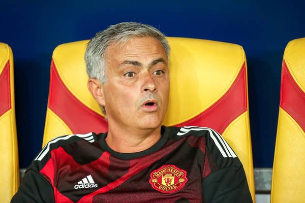 Wielkie zamieszanie w hicie Premier League! Jose Mourinho został sprowokowany! [WIDEO]