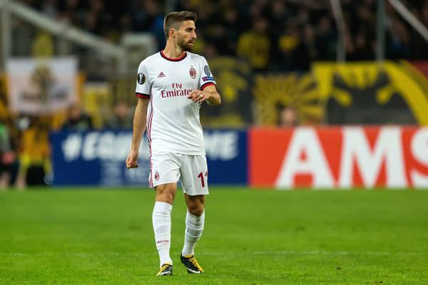 Napastnik Milanu przeniesie się do Turynu?