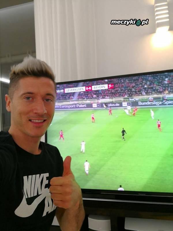 Lewandowski dziś kibicuje Bayernowi sprzed telewizora