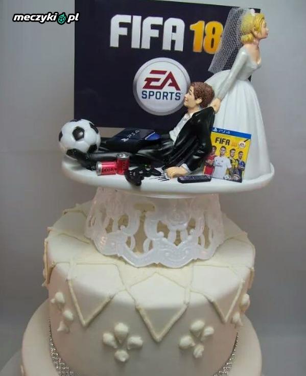 Świetny tort weselny fanatyka futbolu