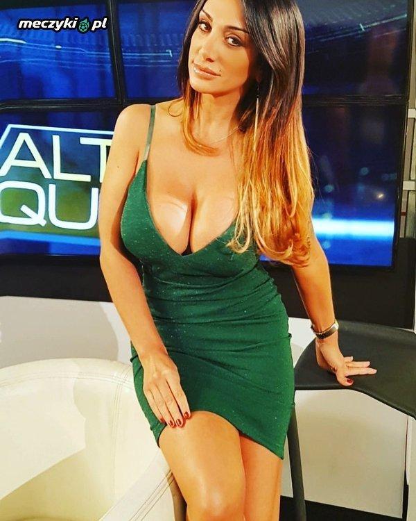 Włoska prezenterka piłki nożnej Marika Fruscio