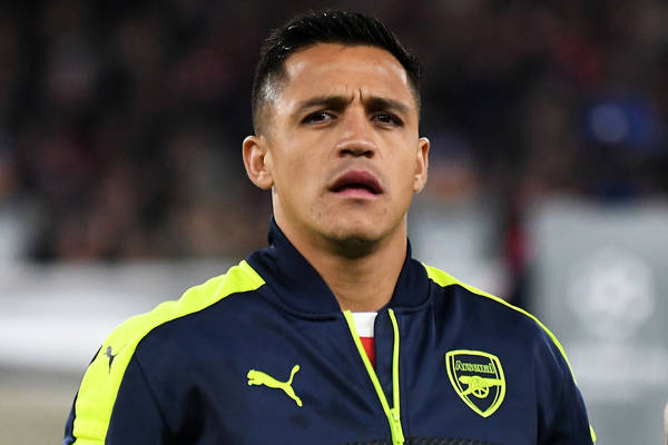 Sanchezowi chodzi tylko o pieniądze? Mocne słowa byłego piłkarza Arsenalu