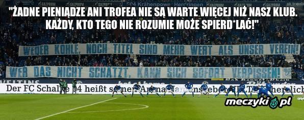 Fani Schalke wywiesili transparent odwołujący się do Leona Goretzki