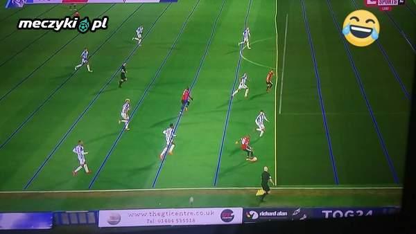 Profesjonalny system VAR w meczu Huddersfield vs Man Utd