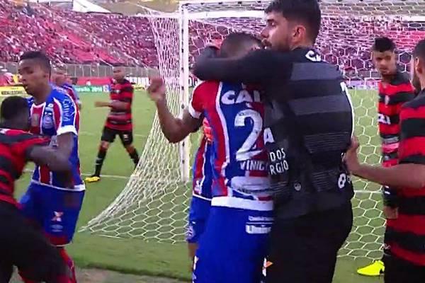 10 czerwonych kartek w jednym meczu. Bijatyka w Brazylii [VIDEO]