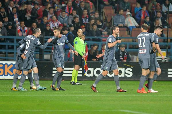 Legia dominuje, Lech zarobił najwięcej na transferach - przychody klubów Ekstraklasy