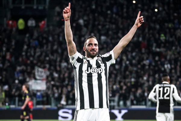 Piorunująca końcówka w Mediolanie! Błyskawiczne dwie bramki i zwycięstwo Juventusu! [VIDEO]