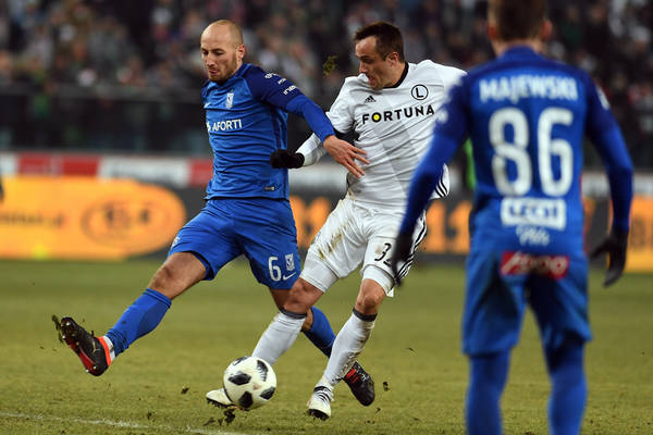 Lech bał się o bezpieczeństwo, Legia chciała przeniesienia meczu... Ekstraklasa podjęła decyzję w sprawie dekoracji mistrza Polski [AKTUALIZACJA]