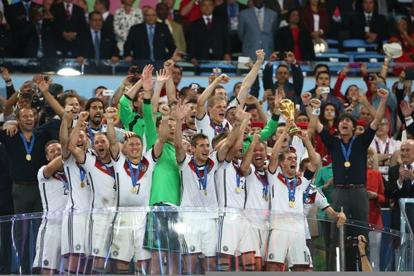 Loew przetoczył krew. Mistrzowska drużyna już nie istnieje. Odnowiona reprezentacja Niemiec ma przejść do historii