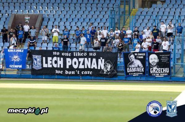 Kibice Lecha na stadionie Gandzasar'u