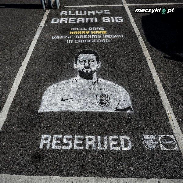 Harry Kane ma swoje miejsce parkingowe przy jednym z supermarketów