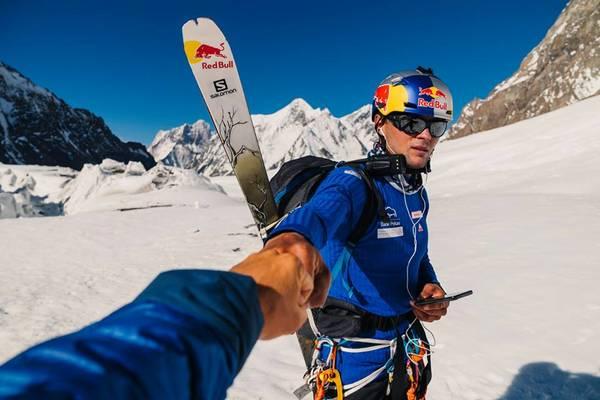 Zrobił to! Bargiel jako pierwszy na świecie zjechał na nartach z K2!