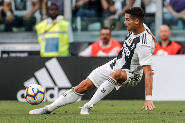 Wymęczone zwycięstwo Juventusu. Gol Ronaldo, dwóch Polaków na boisku [WIDEO]