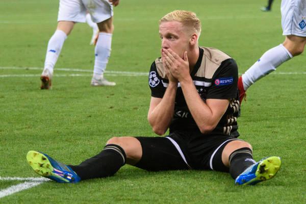 Barcelona złożyła ofertę za talent z Ajaksu. Holendrzy liczą na większe pieniądze