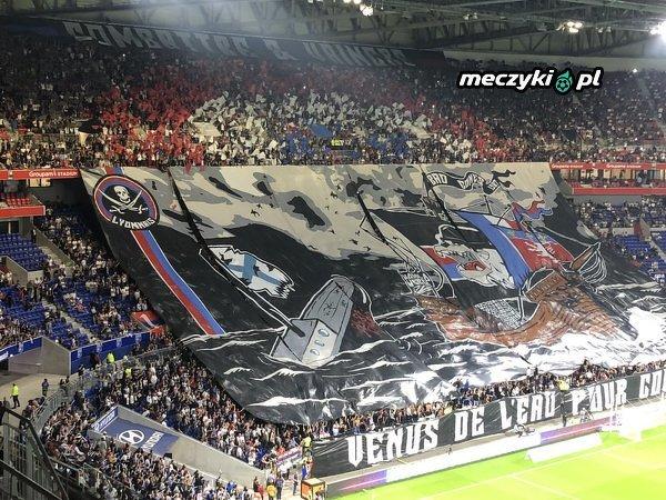 Oprawa Lyonu z meczu z Marsylią