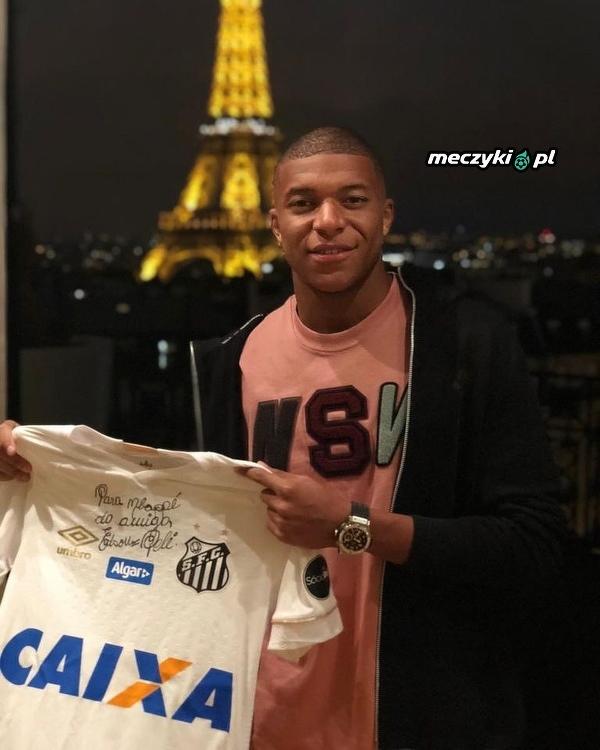 Mbappe dostał koszulke Pelego z jego autografem