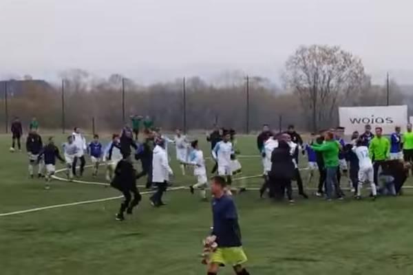 Dantejskie sceny na młodzieżowym turnieju piłkarskim. Rodzice pobili się z trenerami Olympique Marsylia [WIDEO]