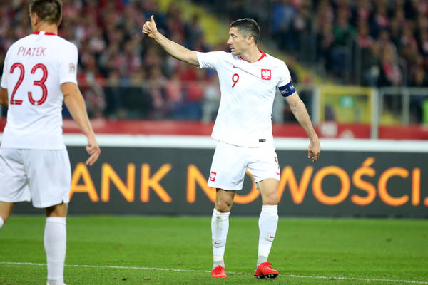 """Jedyny trener, który pracował w klubie z Piątkiem i Lewandowskim, porównał obu piłkarzy. """"To nie ten poziom"""""""