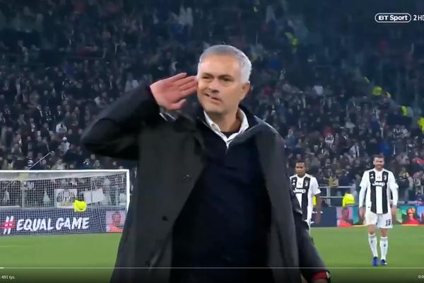 Prowokacyjne zachowanie Mourinho. Awantura po zwycięstwie United nad Juventusem [WIDEO]
