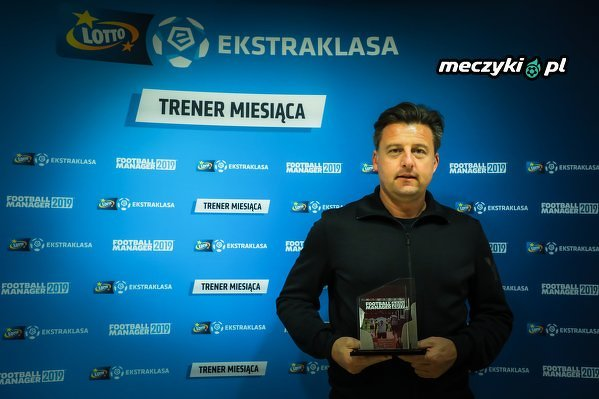 Szkoleniowiec Pogoni Szczecin Kosta Runjaic z nagrodą trenera miesiąca