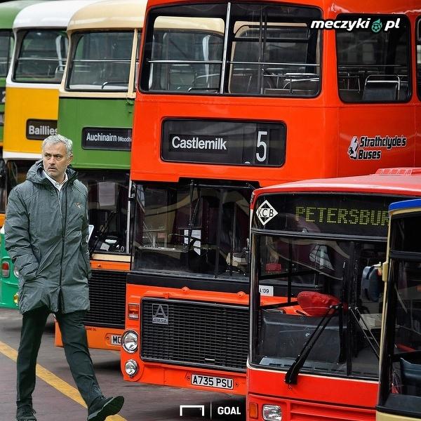 Jose Mourinho przygotowuje się do niedzielnego meczu z Liverpoolem