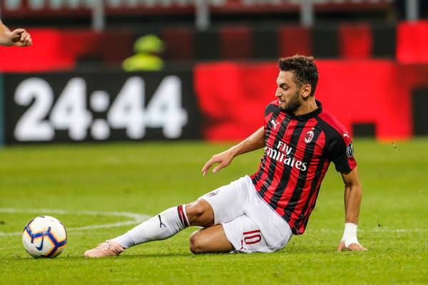 Calhanoglu wyklucza odejście z AC Milan