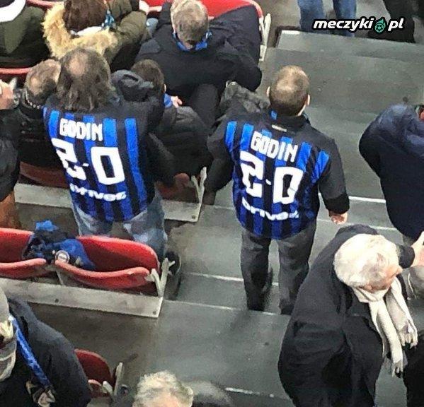 Koszulki kibiców Interu na meczu LE