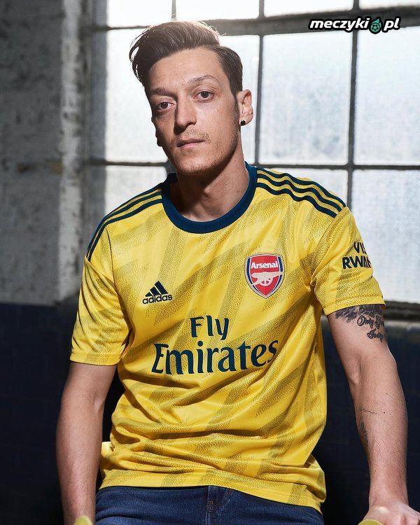 Arsenal zaprezentował wyjazdowe stroje na nadchodzący sezon