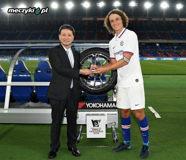 David Luiz i jego nagroda dla najlepszego zawodnika meczu