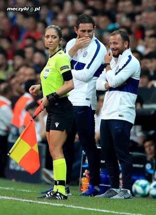 Ciekawe o czym myślał asystent Lamparda?