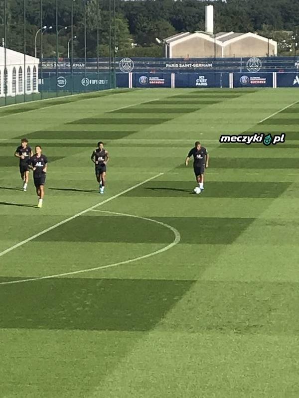 Neymar wrócił do treningów z PSG