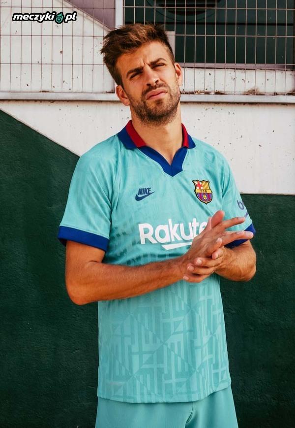 Trzeci komplet strojów FC Barcelony na ten sezon