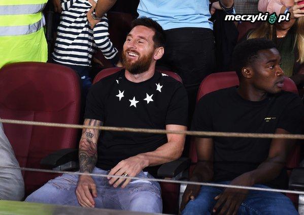 Messi widząc młodych piłkarzy Barcelony