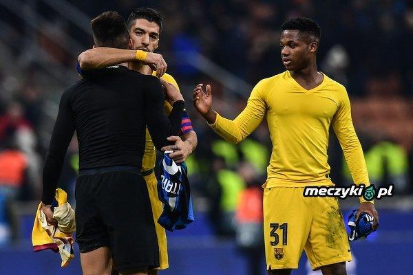 Suarez wymienił się koszulką ze swoim następcą w Barcelonie?
