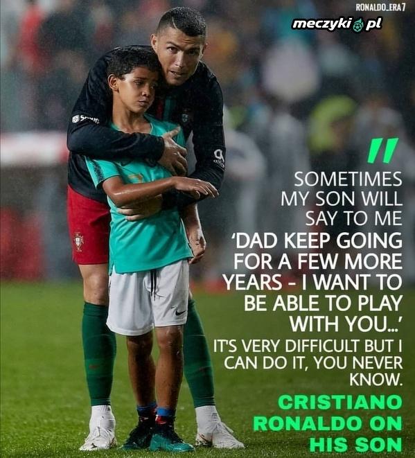 Ronaldo chce grać zawodowo z swoim synem