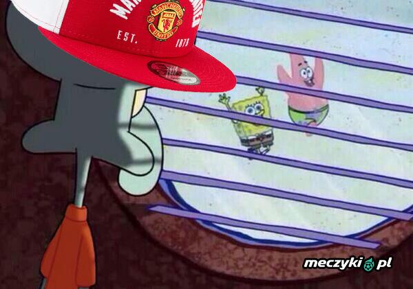 Kibice Manchesteru United widząc bramki Haalanda