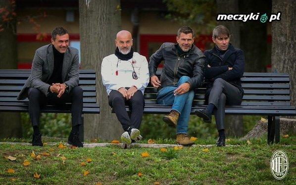 Ławeczka z serialu Ranczo w Milanie