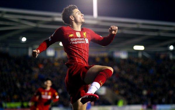 Curtis Jones - najłmodszy piłkarz Liverpoolu od 2017 roku, który strzelił gola w Premier League (19 lat, 157 dni)