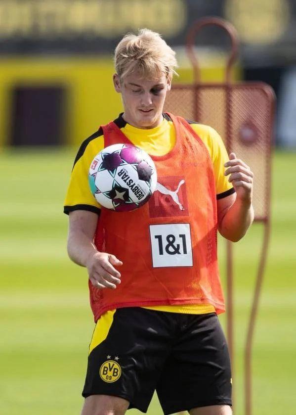 Brandt wrócił do treningów z podbitym okiem