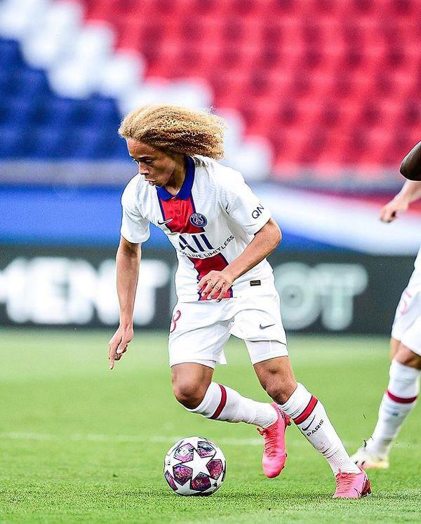 17-letni super talent Xavi Simons zadebiutował wczoraj w PSG w towarzyskim meczu z Sochaux