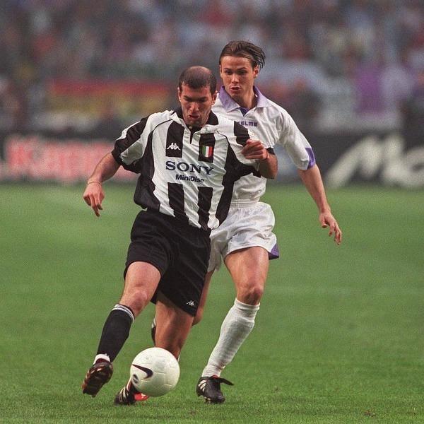 Zidane i Redondo w trakcie finału Ligi Mistrzów 1998 r.