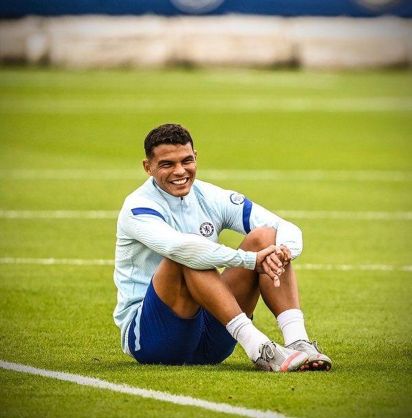 Thiago Silva 28 sierpnia dołączył do Chelsea, a już dzisiaj założy opaskę kapitańską