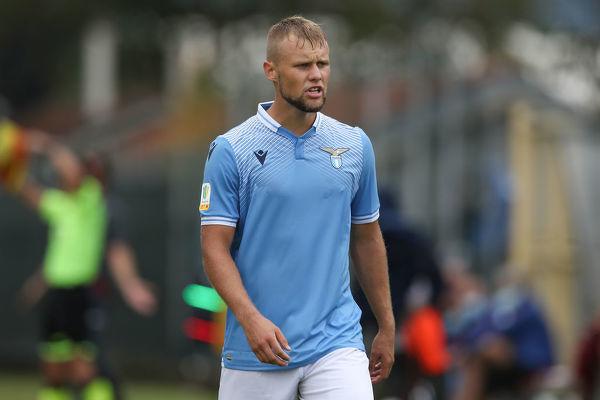 Szymon Czyż wchodzi z ławki rezerwowych i debiutuje w Lazio