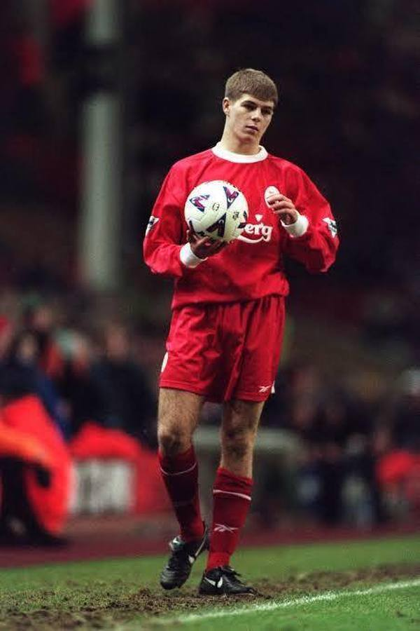 Dokładnie 22 lata temu Steven Gerrard zadebiutował w barwach Liverpoolu!
