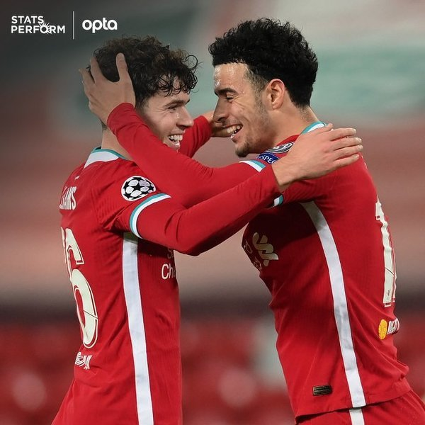 Młodzi wychowankowie Liverpoolu Neco Williams i Curtis Jones architektami zwycięstwa Liverpoolu