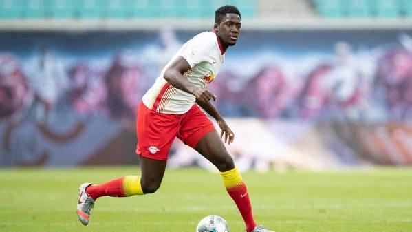 Ibrahima Konate (RB Lipsk) dołączył do Dayota Upamecano na liście celów transferowych Liverpoolu