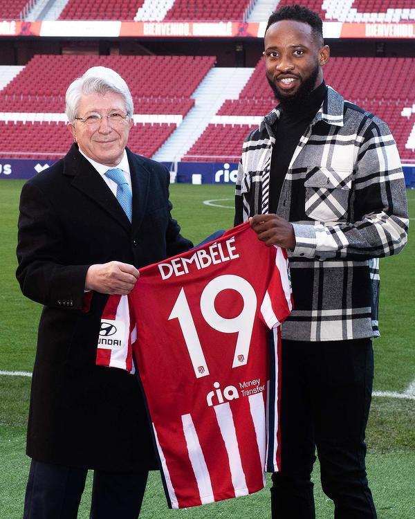 """Moussa Dembele zagra w Atletico z numerem """"19"""" na koszulce"""